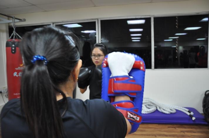 Active Red / WAKO Kickboxing Singapore - Kickboxing Masterclass Roundhouse 1