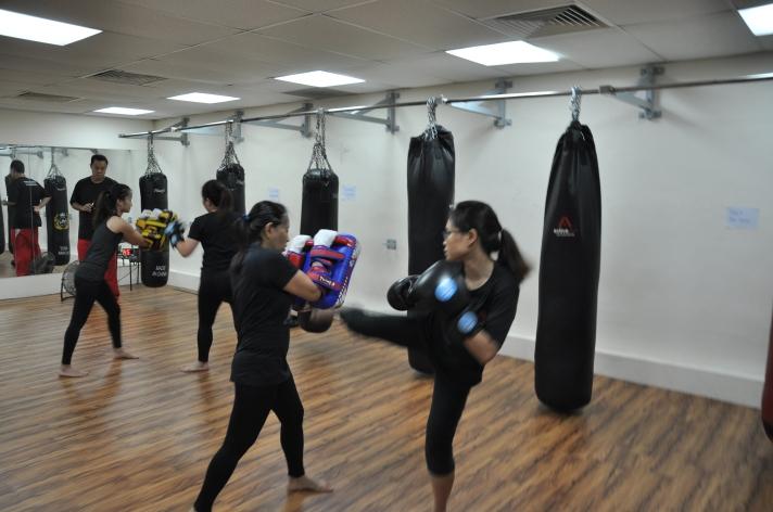 Active Red / WAKO Kickboxing Singapore - Kickboxing Masterclass Roundhouse 6